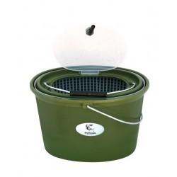 Galeata ovala pentru pastrarea momelii vii, prevazuta cu sita si capac, 10 litri
